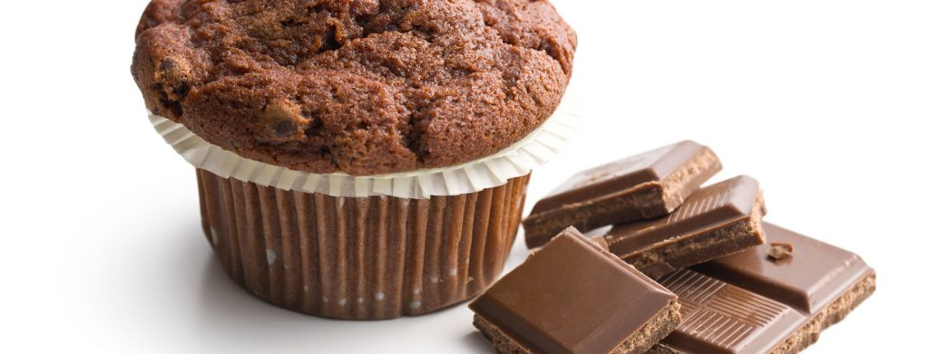 26564525 – chocolate muffin with chocolate on white background