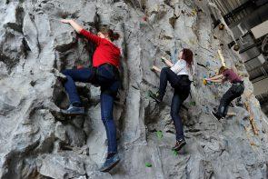sensapolis-indoor-attraktionen-kletterwand-freizeitpark-stuttgart-sindelfingen-1